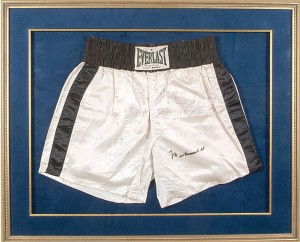 Thrilla in Manila Ali signed trunks