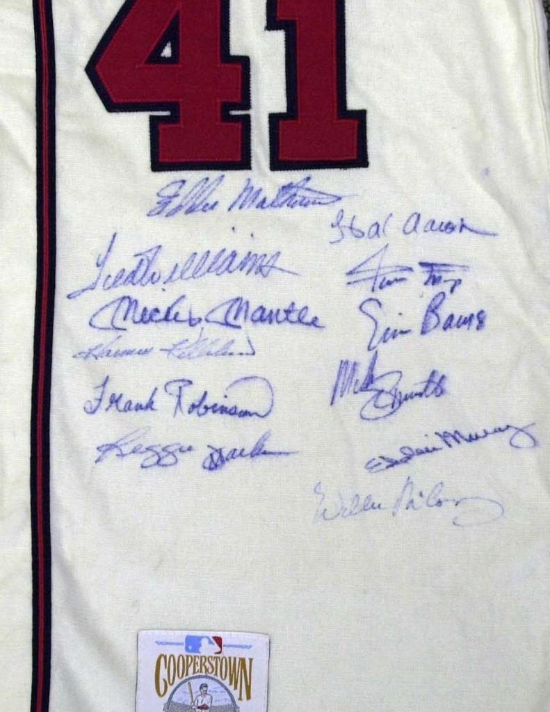 Matthews Braves jersey detail