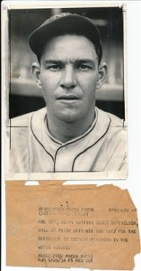 1934 Mel Ott Photo with the original brown caption tag attached from behind