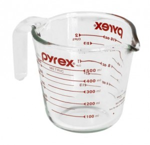 Pyrex measuring cup with the name Pyrex printed on it.
