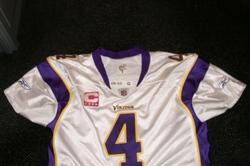 super popular 1d99f 0a5fc Favre Vikings Jersey Sells for $16,000